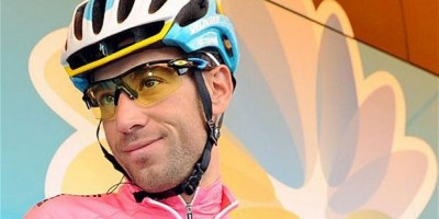 Nibali Wins Stage 10 to Claim Tour Lead